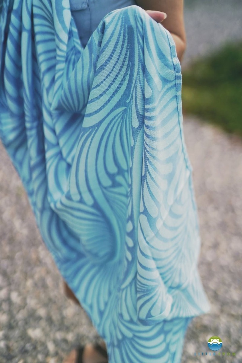 little-frog-jacquard-ring-sling-skyblue-plumes-size-s